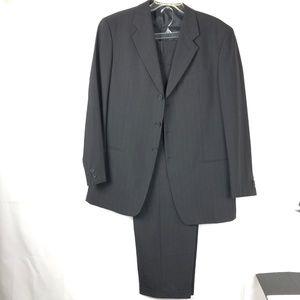 Giorgio Armani Le Collezioni Men's Suit size 42 -